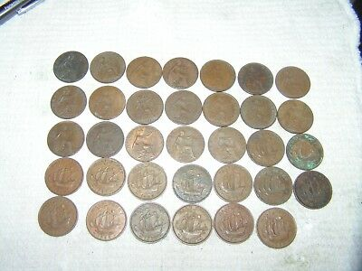Lot Of 34 Great Britain Half Pennies