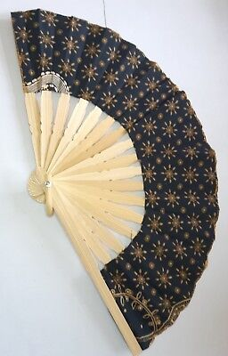 Traditional Batik Print Bamboo Hand Folding Hand Fan Small Malaysi Va139S-4