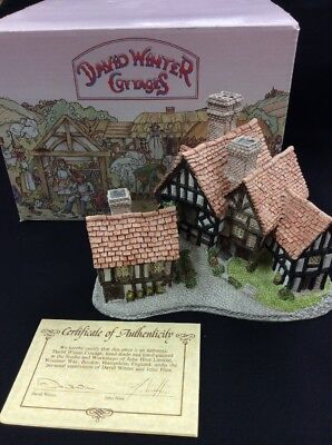 David Winter Cottages Stratford House 1981- Box & CoA Original box included