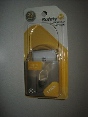 Safety 1st LED Nightlight, 1 Count (2 lights)
