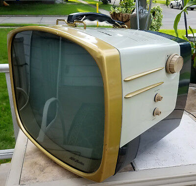 """Vintage RCA Victor Deluxe Portable 17"""" TV*Mid Century*17-PD-8096*Working (Fuzz)"""