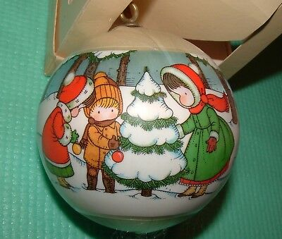 Hallmark Unbreakable Satin Ornament Joan Walsh Anglund Christmas Friends 1978