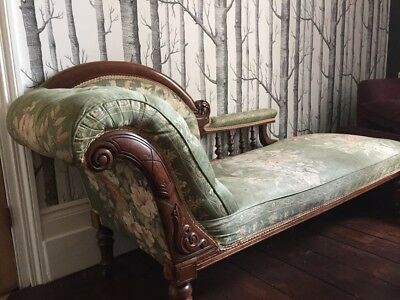 Victorian chaise longue - solid carved mahogany - upholstered In floral fabric