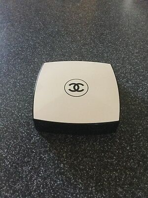 Chanel healthy glow sheer powder SPF 15 Number 20 Les Beiges