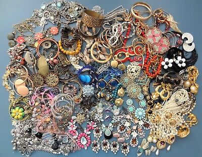 ESTATE VINTAGE to NEW COSTUME JEWELRY LOT Wear Repair Craft * 9+ Pounds