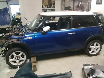 Mini One Cooper Diesel Totalschaden For Parts Only inklusive lieferung