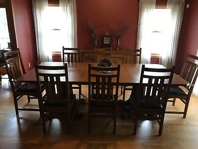 Stickley Dining Set.  Beautiful Oak 2 pedestal and leather chairs