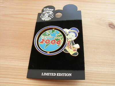 Jiminy Cricket Earth Day 2006 Spinner Pin LE 2500 Disney Globe