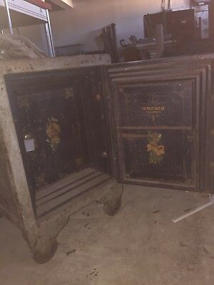 "Antique Vintage Halls floor safe 36"" by 24"" Double Locking."