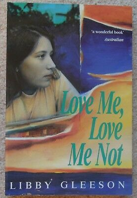 LOVE ME, LOVE ME NOT ~ LIBBY GLEESON Stories of First Love Puffin P/back