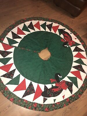 """Christmas Tree Skirt Quilted Goose Holly Handmade 50"""""""