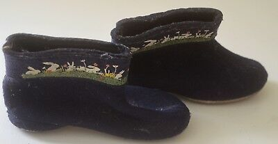 SWEET VINTAGE 1950s CHILD'S FELT SLIPPERS WITH BUNNIES SIZE 7 TT123