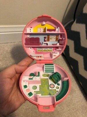 1989 Polly Pocket Blue Bird Animal Hospital Vet Pink Compact 3 Dolls And 1 Dog