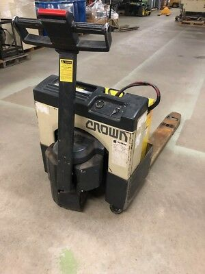 CROWN 40GPW 4 14 TYPE E Electric Pallet Jack 4000 24 V Electric Pallet Truck