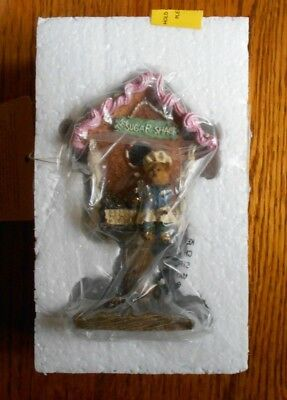 "Boydsenbeary Patch Boyds Bear Figurine Christmas Birdhouse ""Ginger Sugar Shack"""