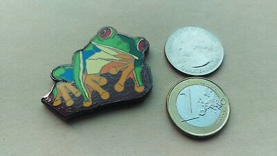 ☆☆ Red Eyed Tree Frog geocoin Trackable unactivated Flower