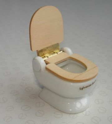 Sylvanian Families Vintage Epoch 1986 - Ceramic Toilet with Wooden Seat