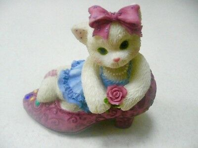 """Enesco Calico Kittens """"It's Not Easy To Fill Your Shoes"""" Cat/Fancy Pump  314501"""