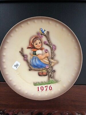 1976 W. Goebel- Porellanfabrik Hand Painted M.j.hummel 6Th Annual Plate