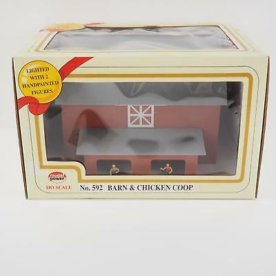 Model Power HO Scale Lighted Barn & Chicken Coop no. 592 - New in Box