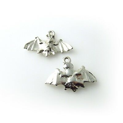 Flying Bat - 5 Lead Free Antique Silver Tone Pewter Charms