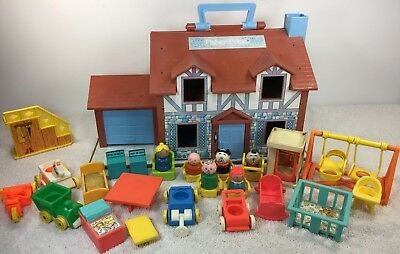Vintage Fisher Price #952 Little People Play Family House + 761 30 pieces 997