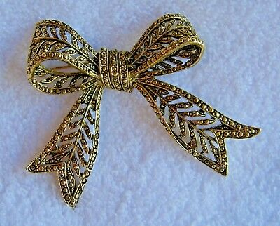 X-Large Vintage Brass-Colored Highly Detailed Bow Brooch Pin