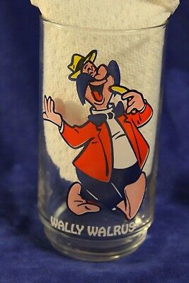 Vintage Walter Lantz looney toon promo drinking glass Wally walrus Homer pigeon