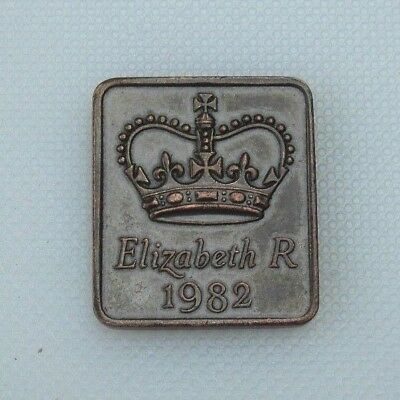 Collectable Royal Mint Proof Year Medallion Medal Token 1982 Elizabeth R