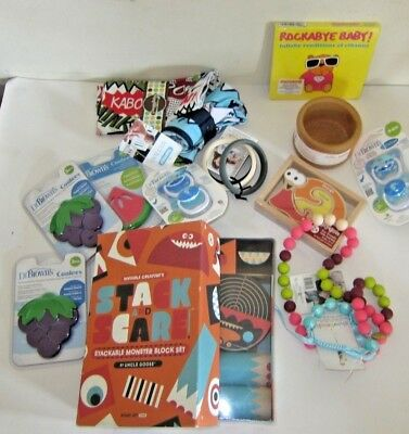 Baby Accessory Lot 14 items Dr Brown Uncle Goose Snuggybaby Lillebaby Thirsties