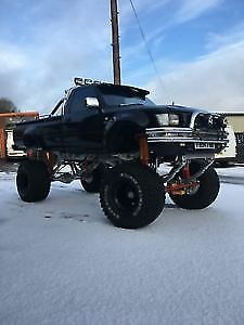 TOYOTA HILUX MK3 Modified Monster Truck V8 Part exchange convertible