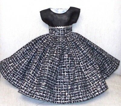 "20"" CISSY  Miss REVLON  FASHION  Clothes  STRIKING  BLACK & SILVER  PLAID  DRESS"