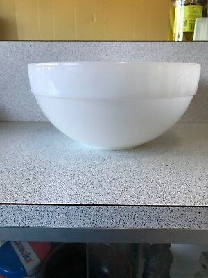 FIRE KING~WHITE~COLONIAL BAND~MIXING BOWL~8 1/2 inch