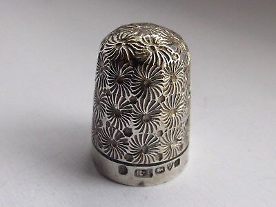 Solid Silver Thimble Daisy Pattern Robert Pringle & Sons Chester 1902 No Holes