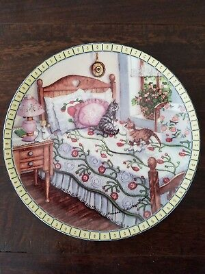 Knowles Cat plate A SUNNY SPOT 3rd issue Cozy Country Corners 1991  8 1/2""