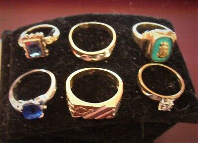 Lot Of 6 10k Gold Rings And One 14k Heart Locket With Chain Not Scrap.19.1 Grams