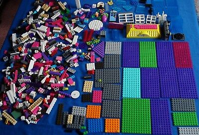 Large Lot of Assorted Legos Toys
