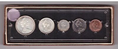 1867 1967 Canada 5 Coin Proof Like Set In Plastic Holder 3 Are Silver