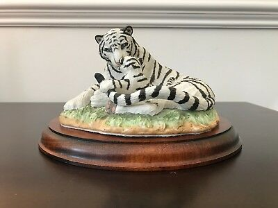 Vintage Franklin Mint White Tigers Limited Edition Sculpture Mother & Baby Tiger