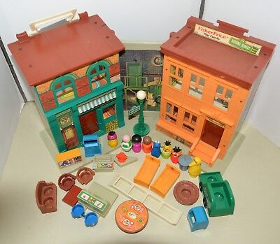 Vintage Fisher Price Little People SESAME STREET HOUSE apartment Complete 938