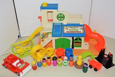 Vintage Fisher Price Little People SESAME STREET CLUB HOUSE + Accessories 1976