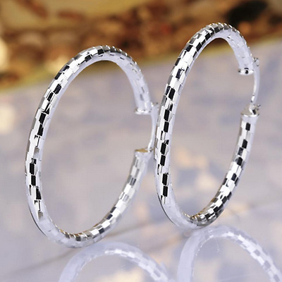 Womens 925 Sterling Silver Diamond-Cut Round Vogue Hoop Earrings #E24