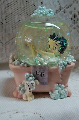 Betty Boop Snow Globe Bubble Bath King Features 1999