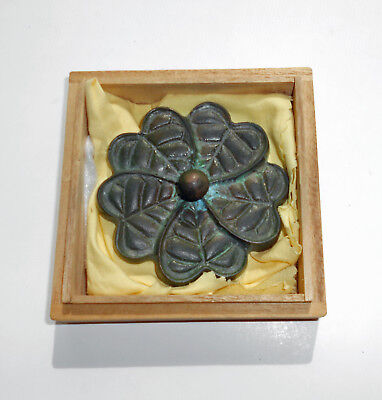 Chinese-Old-Brass-Carved-Copper-Hearts-Soild-PaperWeight-Paper-Weigh
