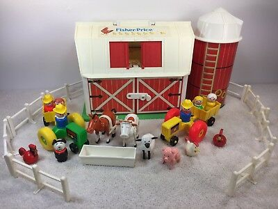 VTG Fisher Price Little People1986 #2501 636 Family Farm/Silo w/ Pink Pig Green