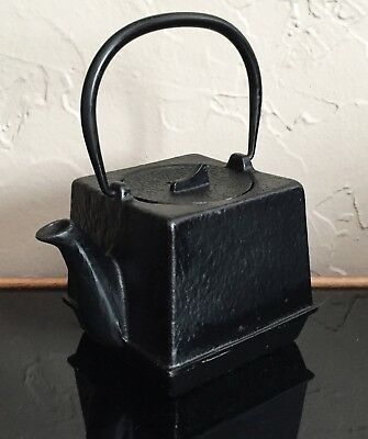 Vintage Japanese Black Cast Iron Square Lidded Tetsubin Teapot Tea Pot