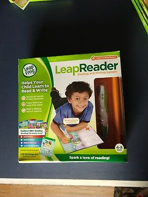 LeapFrog LeapReader Reading and Writing System, Green used!  Plus extra books