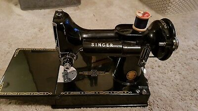 Singer 221K Featherweight Sewing Machine Antique Old Vintage Boxed, attachments