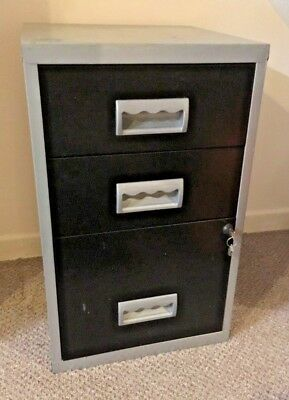 Metal 3-drawer filing cabinet, lockable