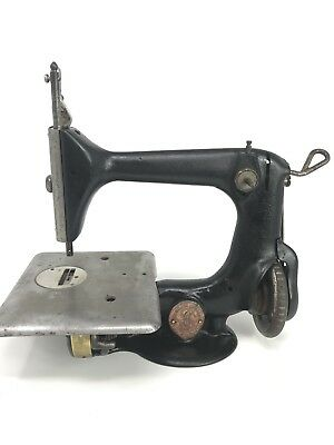 Antique 1902 Singer 24-7 Chain Stitch Sewing Machine Serial # L3572458